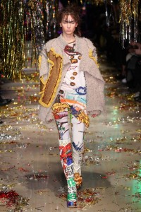 Vivienne-Westwood-Fall-Winter-2015-women-Collection-at-Paris-Fashion-Week-15