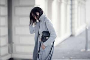 all-over-grey-tonal-winter-layering-outfit-streetstyle-blogger-4-copy